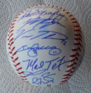 2013 World Classic Baseball signed by all 33 Team Members